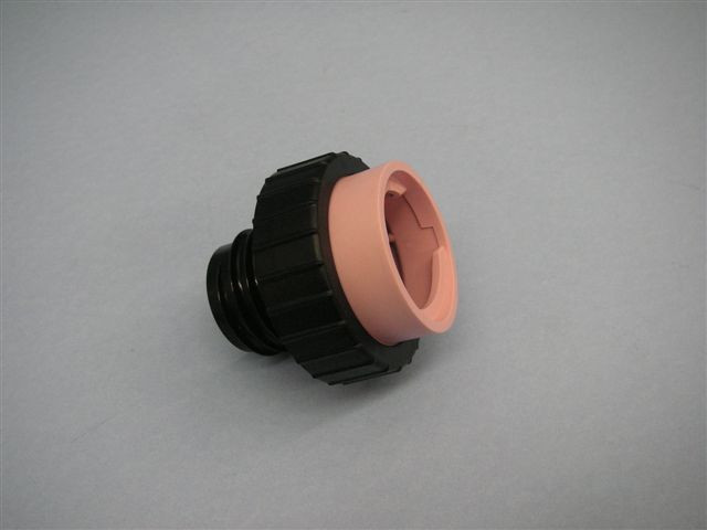 Stant gas cap adapter (pink) 12426